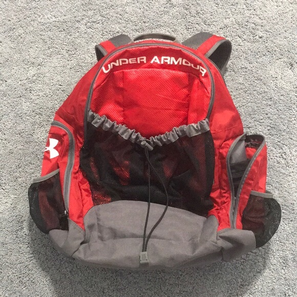 f6686cb8ef81 Under Armour soccer bag. M 5c299f52bb7615b1b7d3c321